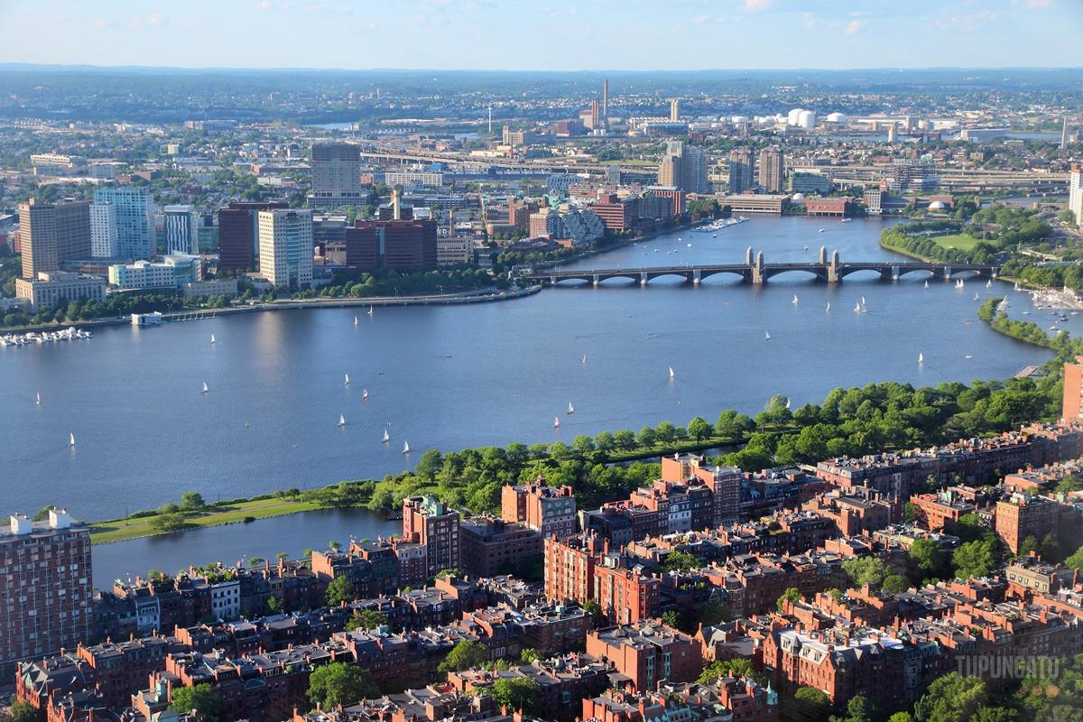 Boston Charles River aerial view